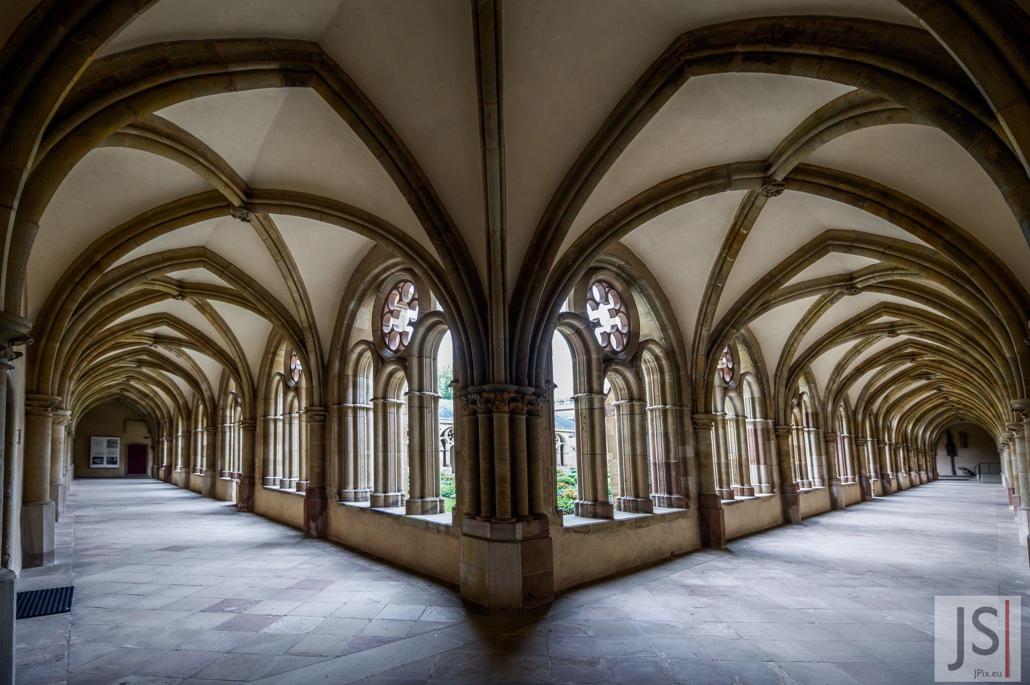 Dom (Trier) - Domkreuzgang, Germany
