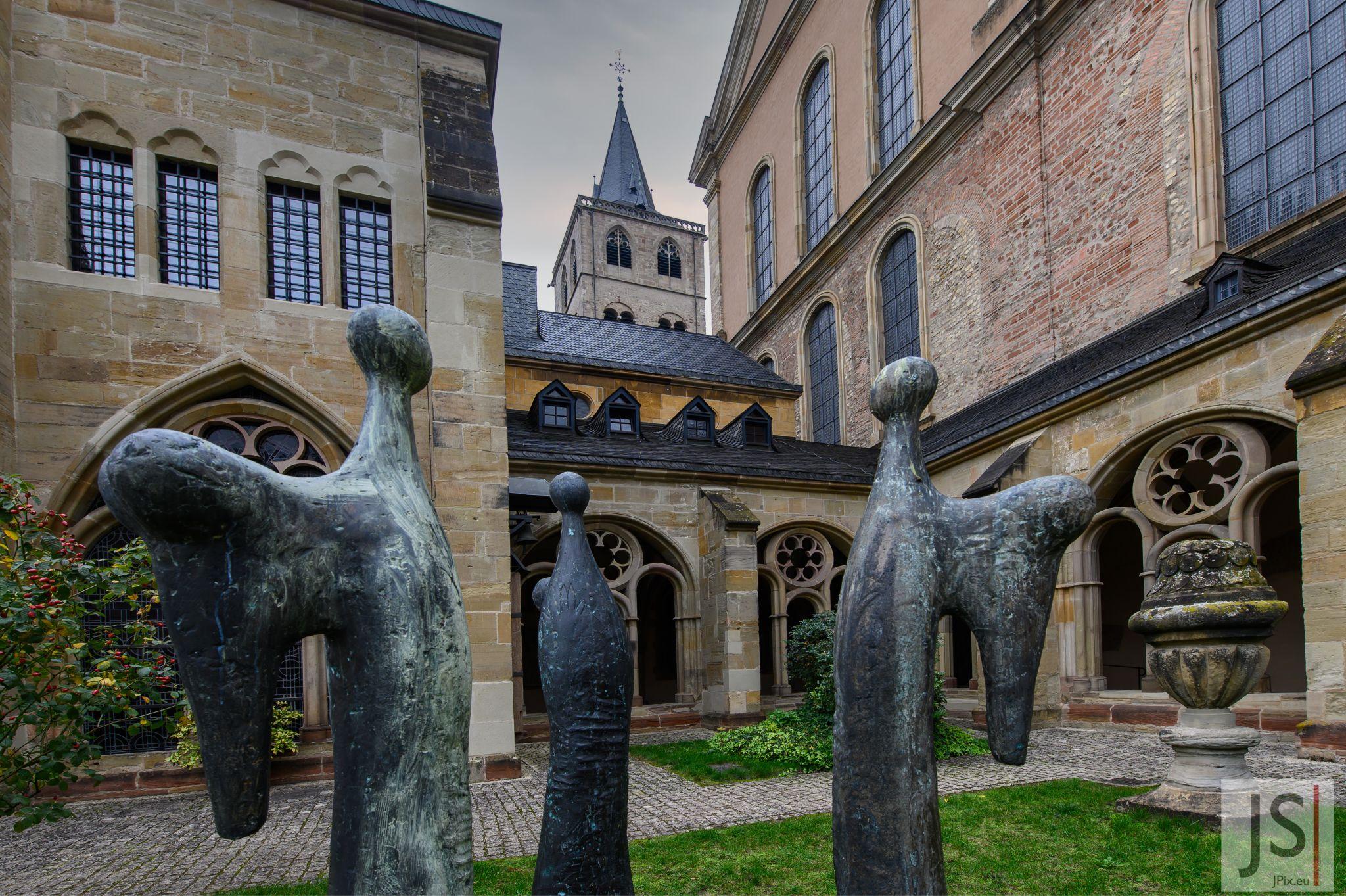 Drei Engel, Domkreuzgang, Trier, Germany