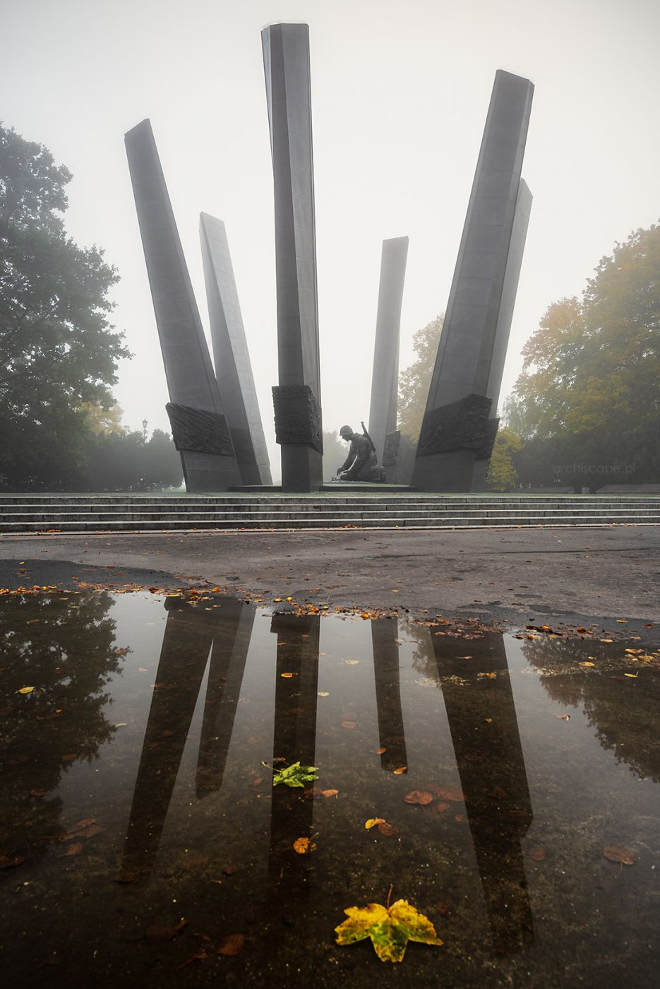 Glory to the Sappers Monument, Poland