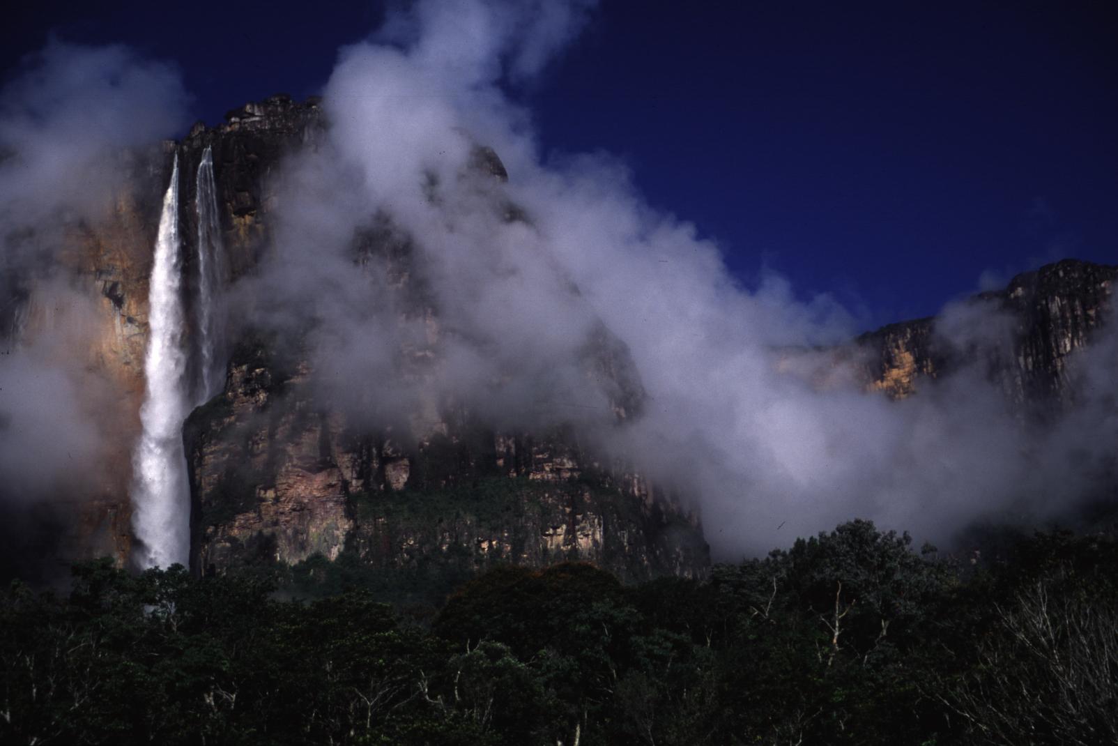 Angel Fall, Parque Nacional Canaima, Venezuela, Venezuela