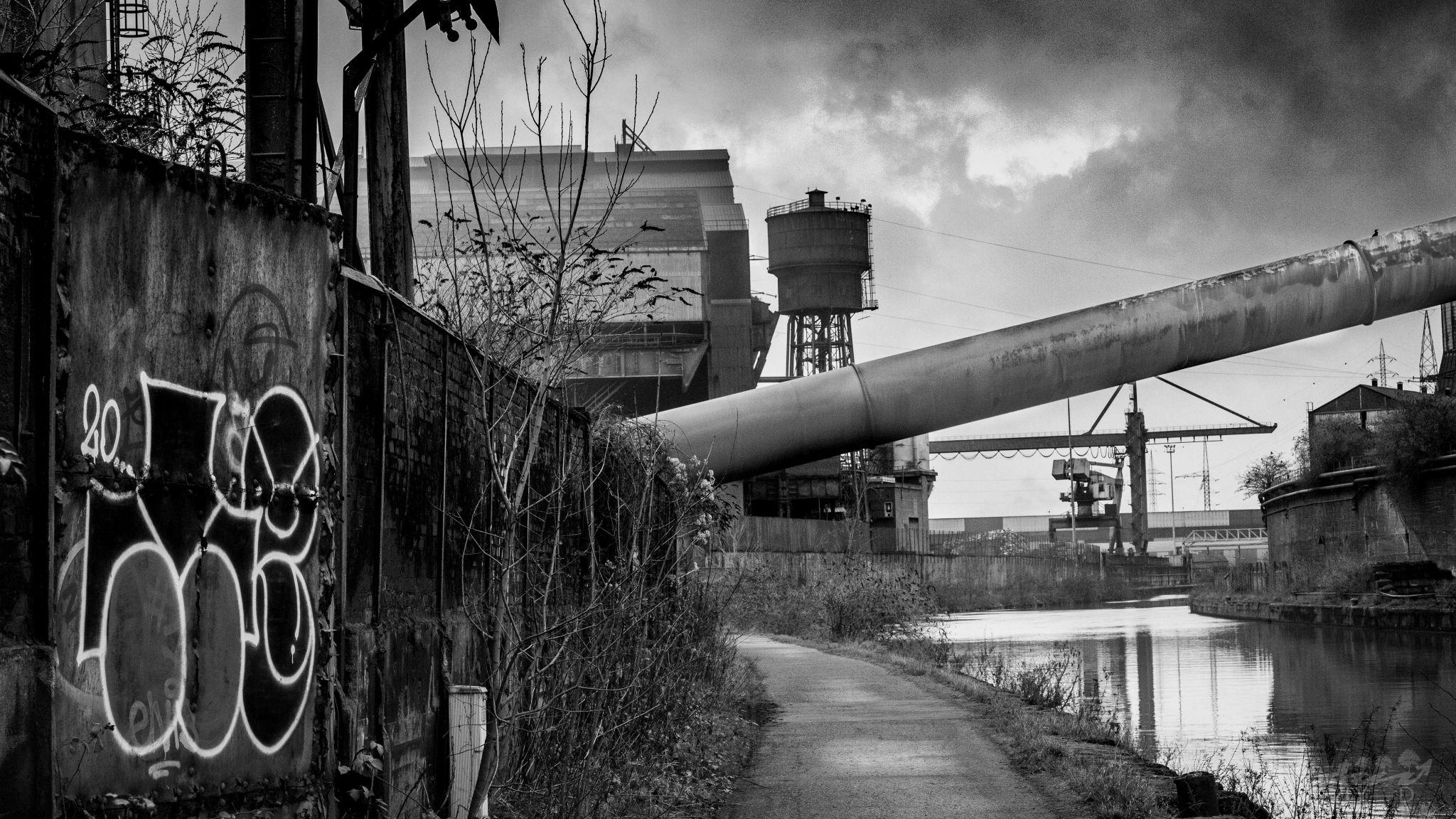 Charleroi - ravel sambre - sites industriels, Belgium