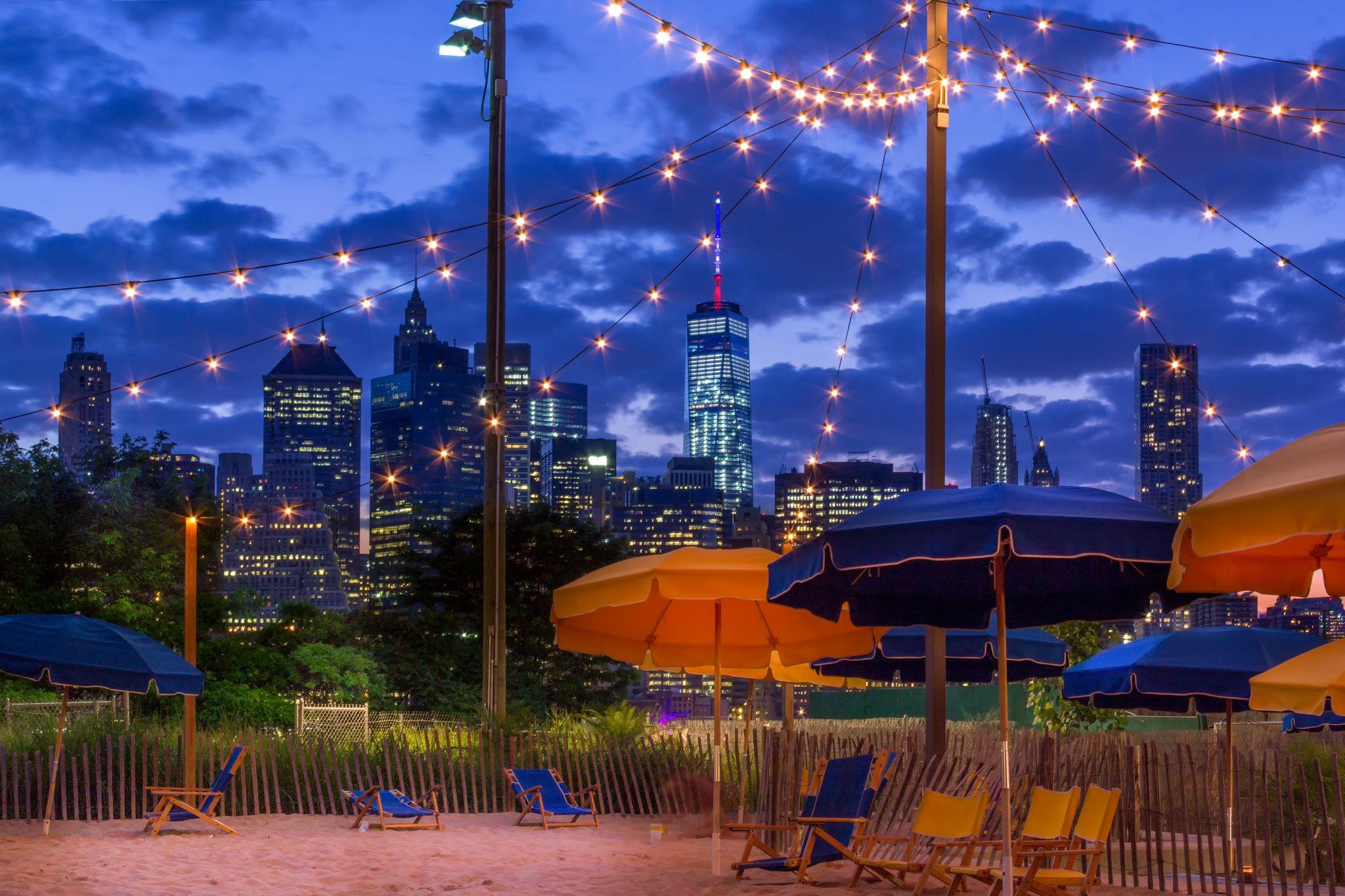 A beach with a view - Brooklyn Bridge Park, USA
