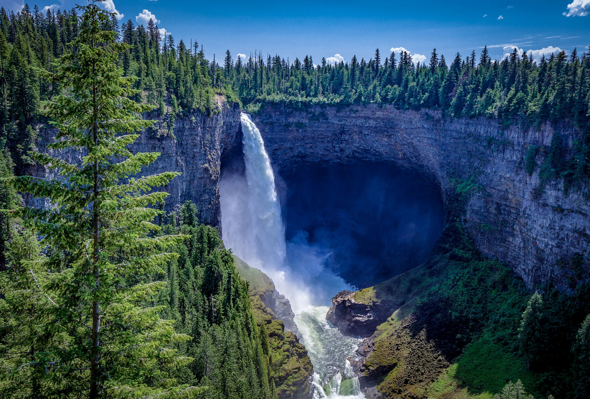 Helmcken falls, Canada
