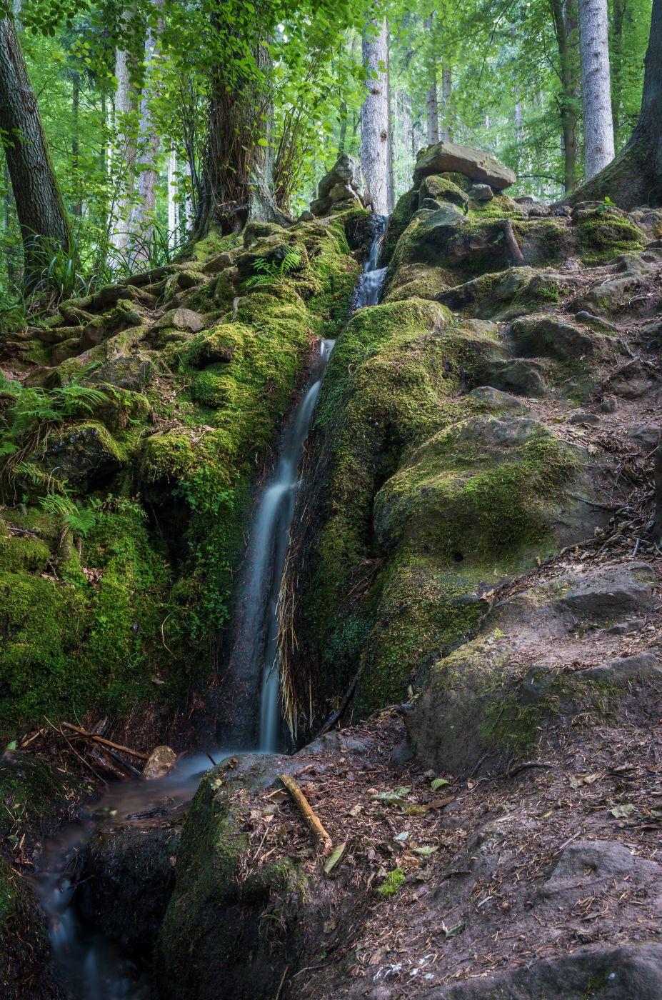 Wasserfall am Hilschweiher, Germany