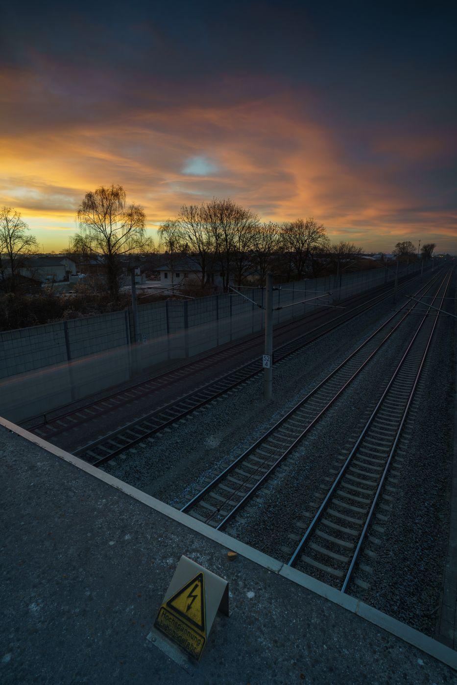 Morgenrot mit Züge, Germany