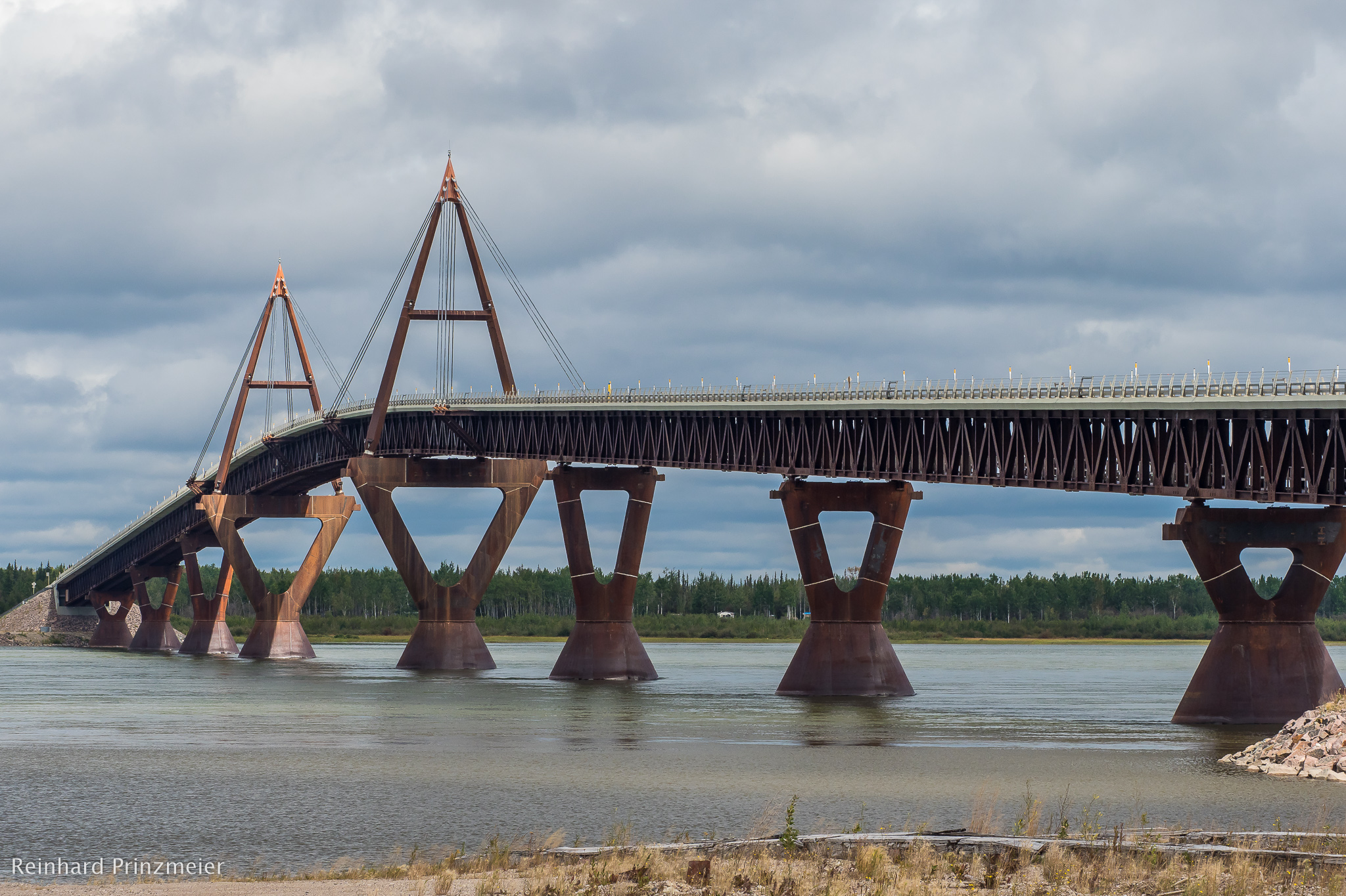 Deh Cho Bridge, Canada
