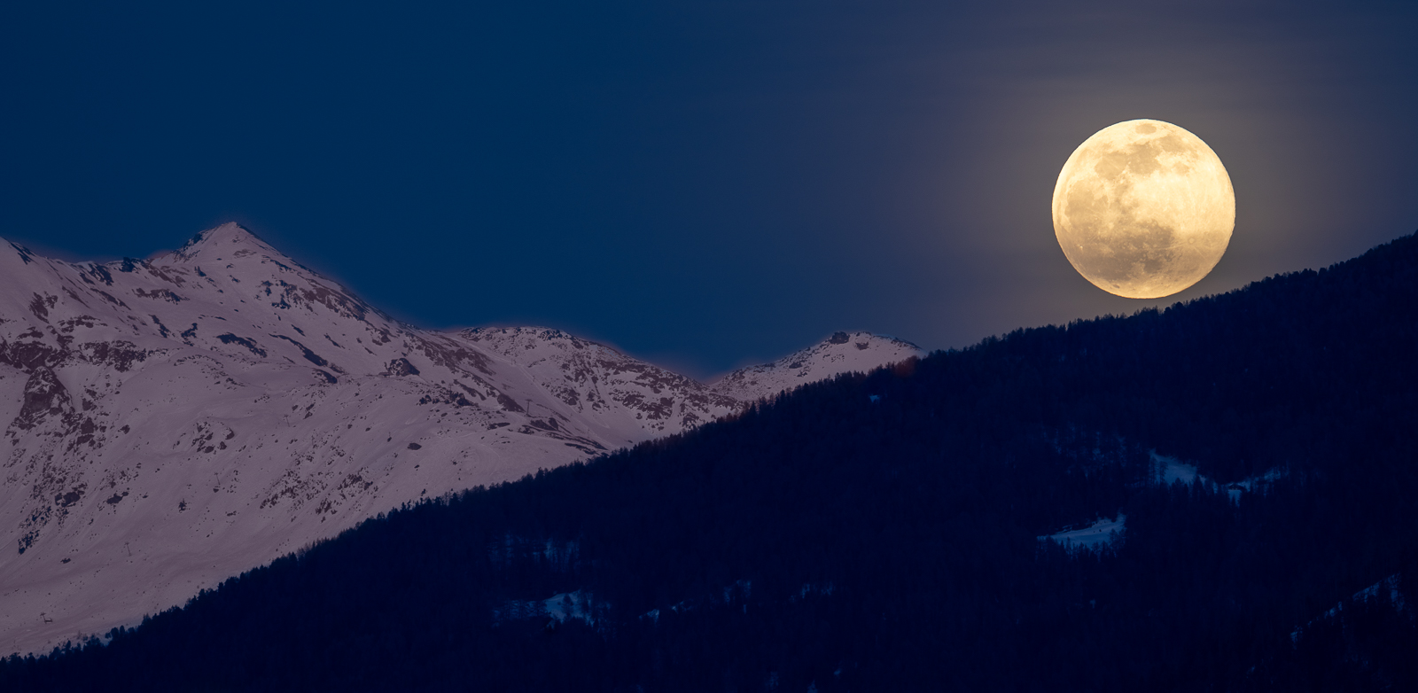 moon rolling, Switzerland
