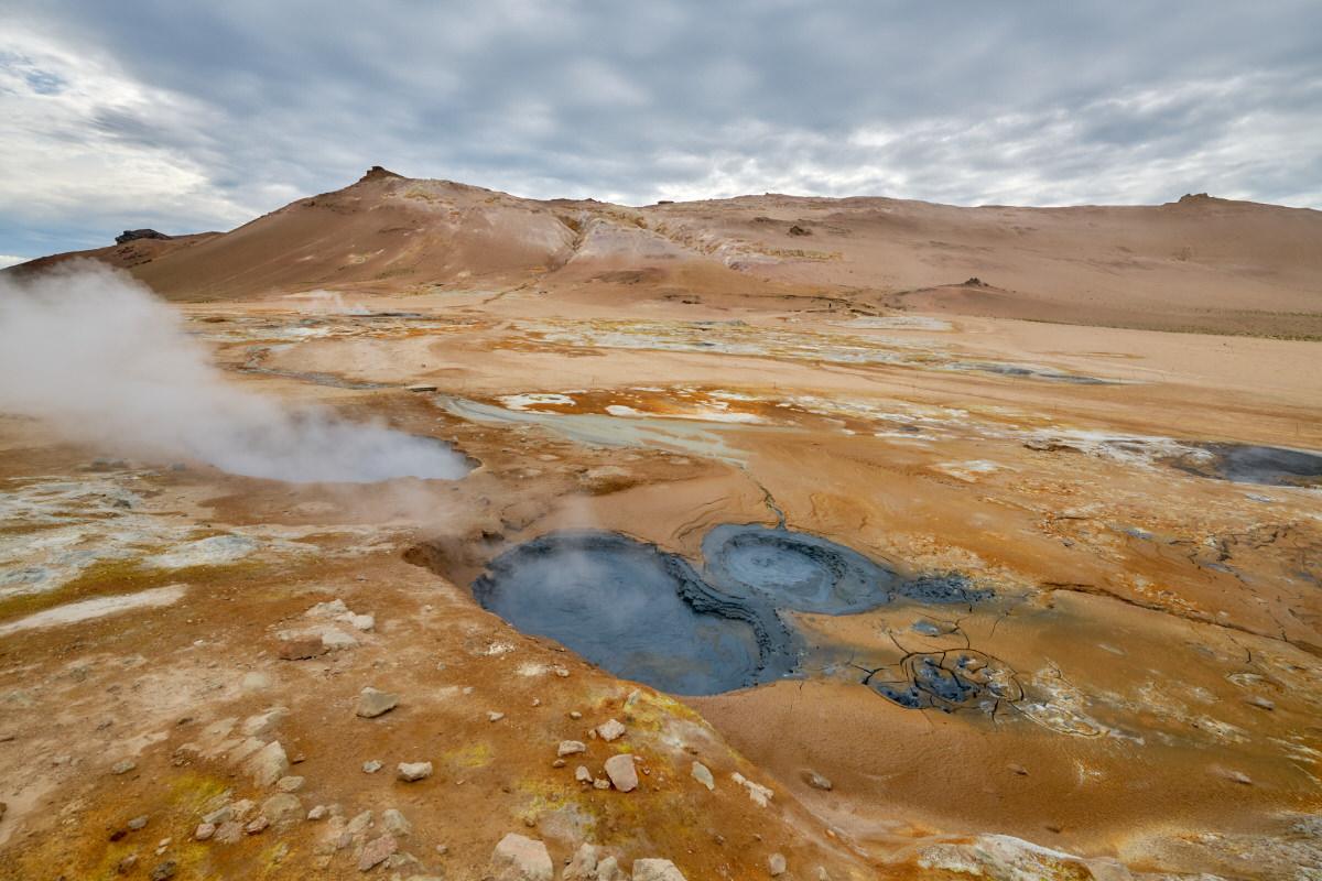 Hverir, sulfuric fumarolas, Iceland